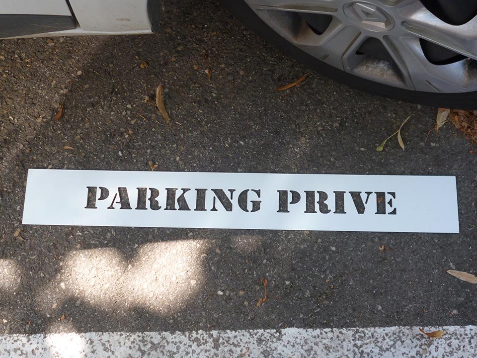 Pochoir parking privé